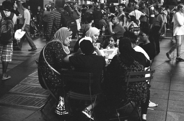 Muslim Family Dining in TS_Donald Groves_082217