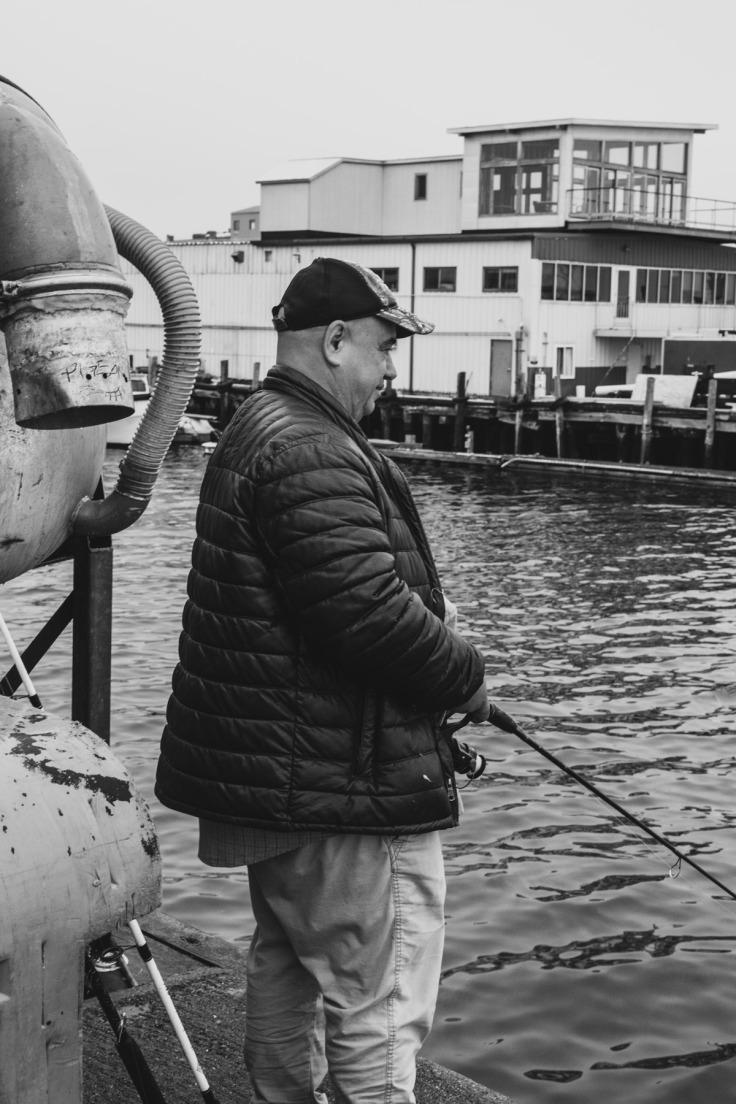 man-fishing-in-portland_061120_donald-grovesweb